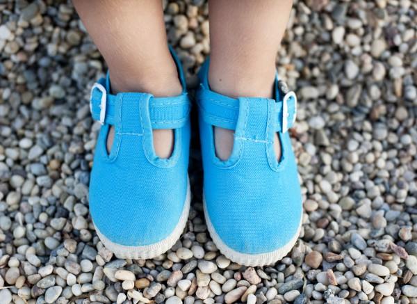 Как выбирать первую обувь для малыша