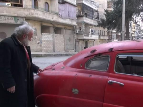 Абу Омар и его обстрелянные ретро-кары