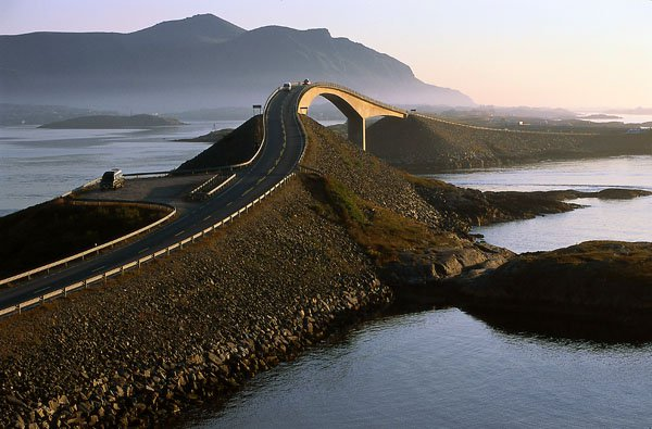 Норвежский мост Atlanterhavsveien