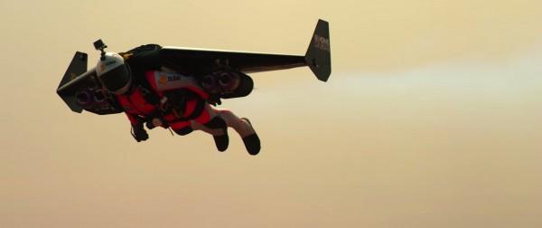 Росси пролетел над Дубаем