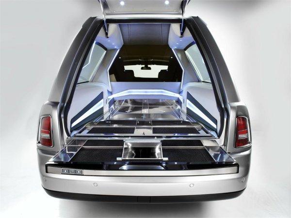 Семиметровый Rolls-Royce Phantom Hearse B12 – роскошь для усопших