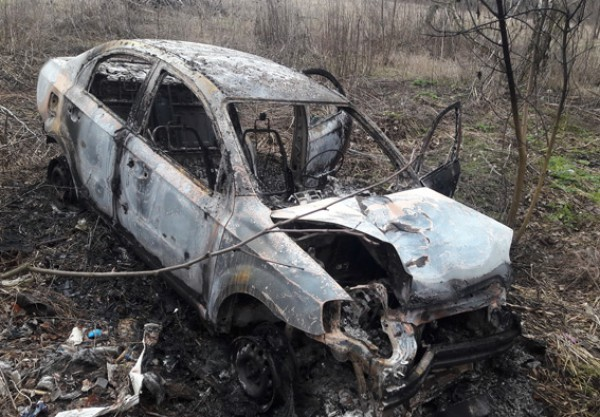 Машина сгорела после аварии