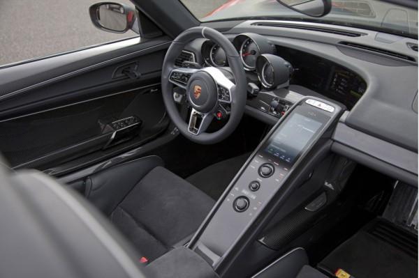 Предсерийный Porsche 918 Spyder