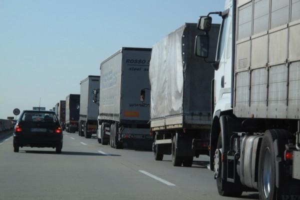 Россияне затрудняют транзит