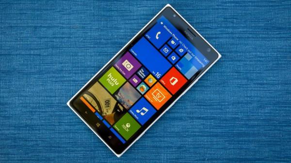 Windows 10 для телефонов появится осенью