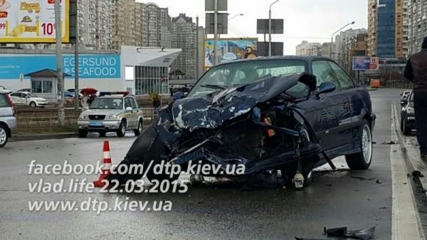 Авария BMW и VW В Киеве