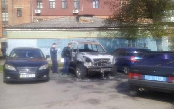В Харькове сожгли автомобиль политического оппонента Кернеса