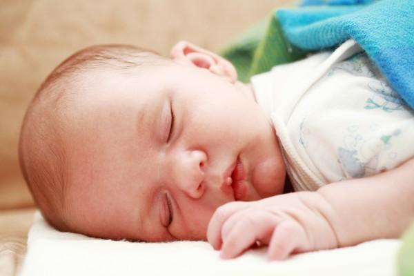 Что нужно знать о стуле новорожденного