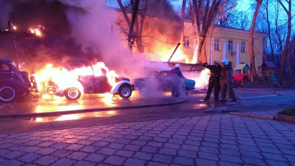 В Одессе сгорели ретро-кары