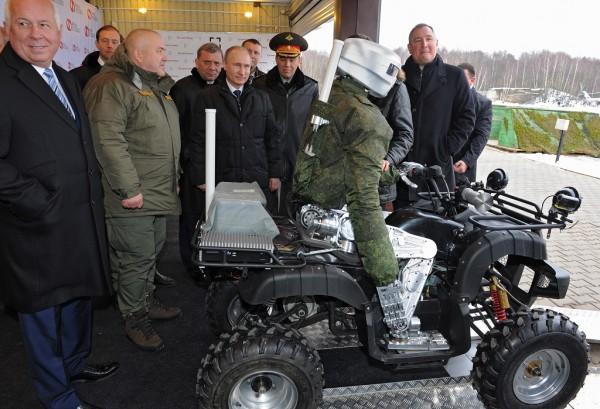 Робота в начале 2015-го показывали Путину