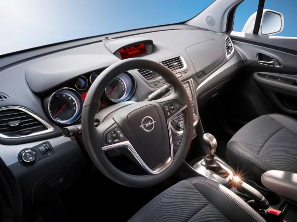 Интерьер Opel Mokka