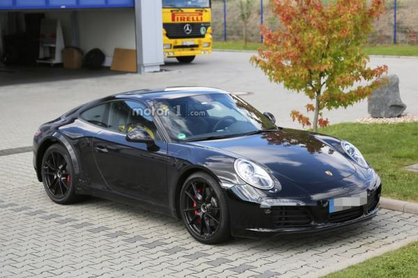 Porsche приступила к дорожным испытаниям нового 911
