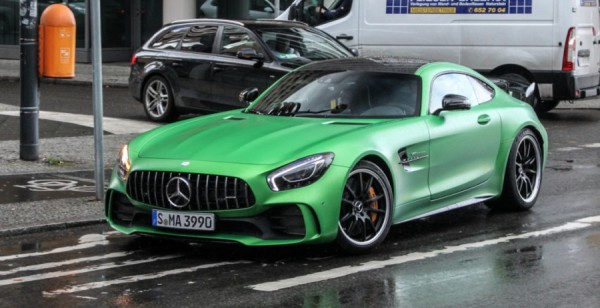 Mercedes-AMG GT R на улицах Берлина