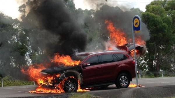 Пожар внедорожника Ford Everest