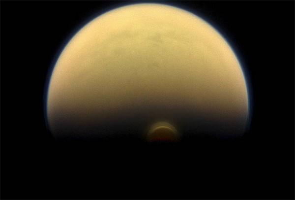Облако на южном полюсе Титана