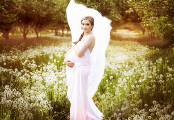 Какое платье лучше выбирать беременной невесте