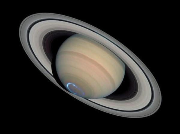 На Сатурне обнаружили гелиевые дожди
