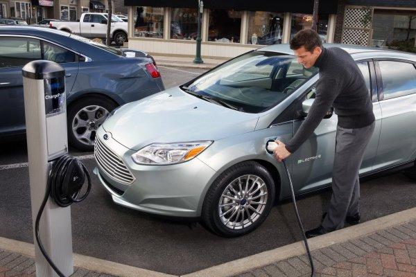 Ford Focus Electric – первый серийный электромобиль бренда
