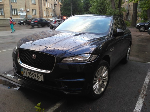 Jaguar F Pace в Украине
