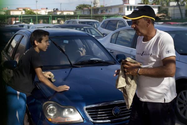 Неновый Geely CK на Кубе стоит 26 350 долларов. В Украине новый стоит 62 900 грн.