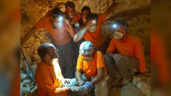 Исследователи обнаружили библейский свиток внутри пещеры в Иудейской пустыни