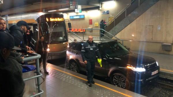 Rover застрял в метро