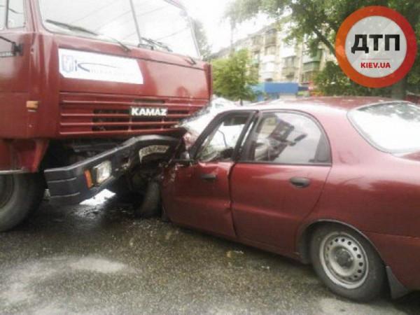Серьезная авария в Киеве