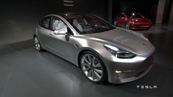 Новый седан Model 3