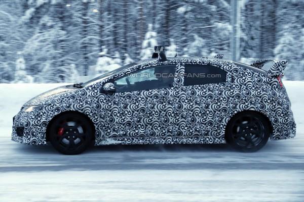 Honda Civic Type R на тестах