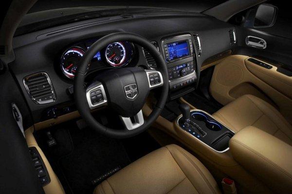 Салон автомобиля напоминает Jeep Grand Cherokee