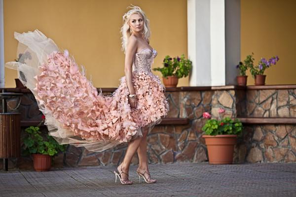 Какой цвет свадебных нарядов предпочесть