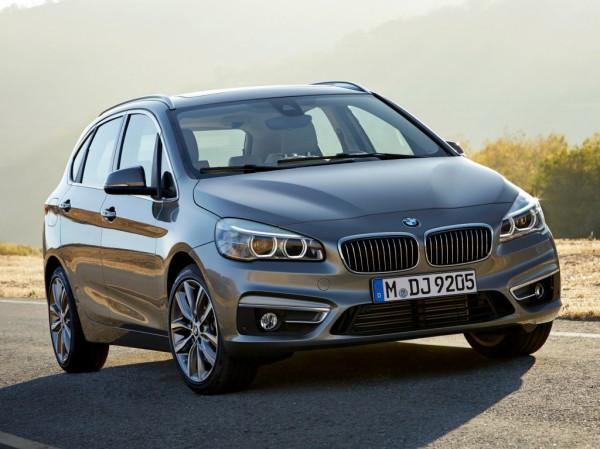 BMW 225i Active Tourer - один из претендентов на награду