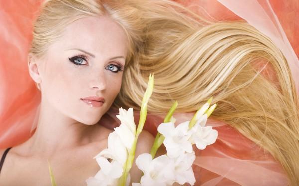 Какие природные вещества изменяют цвет волос