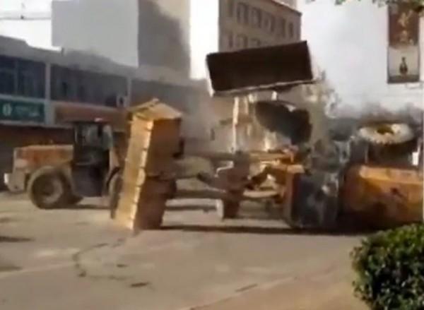Битва бульдозеров