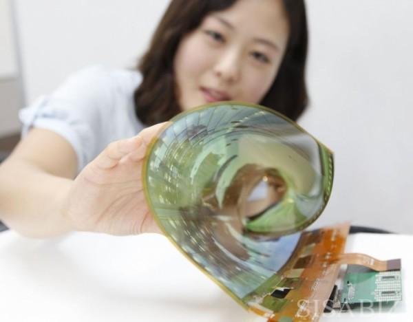 LG покажет большие гибкие мониторы