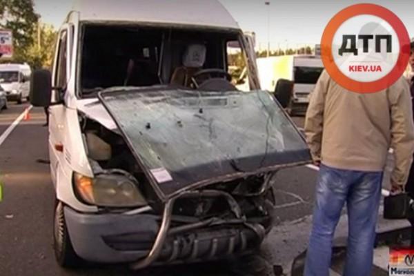 Разбитый Mercedes