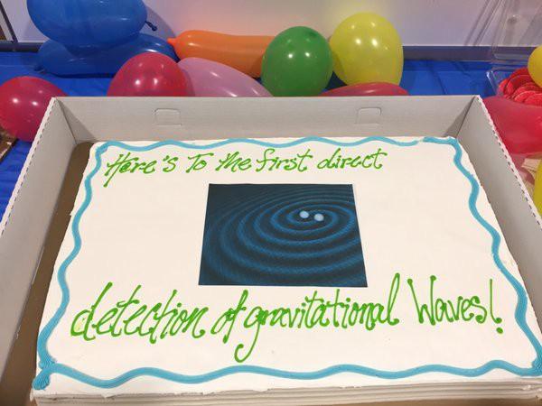 Фотография торта, выложенная в соцсеть