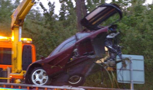 Разорванный в 2011 году McLaren Аткинсона