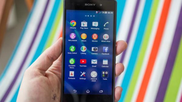 Второе место — Sony Xperia Z2. Эта модель заслужено расположилась на высоком месте, учитывая, что она была официальным смартфоном чемпионата мира по футболу в Бразилии.