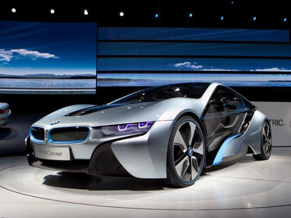 2. BMW i8