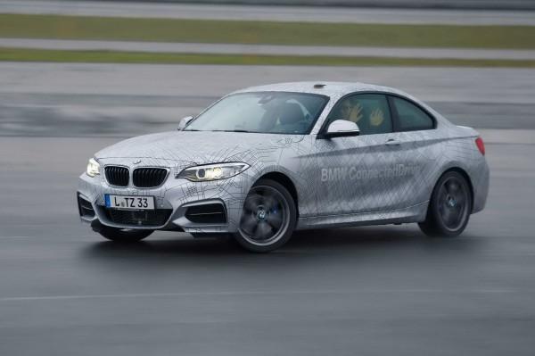 BMW M235i с автопилотом может быстро и резко маневрировать