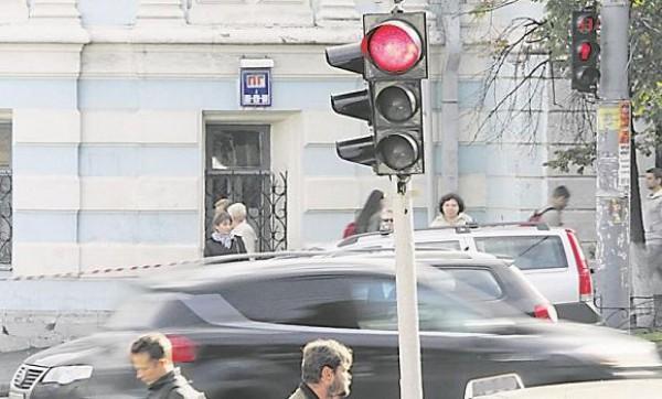 За проезд на красный штраф могут увеличить до 595 грн