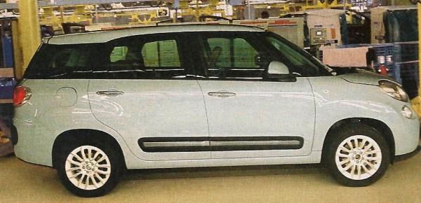 Fiat 500XL - миниатюрный хэтчбек стал семейным минивэном