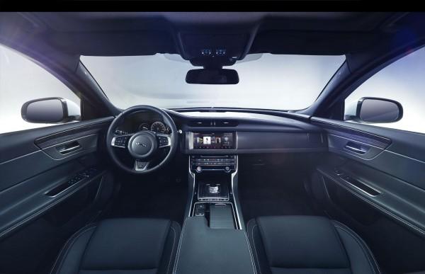 Салон нового Jaguar XF