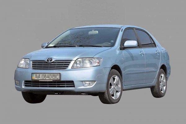 Toyota Corolla 2001–2006 г. в. - от $11 000 до $15 700