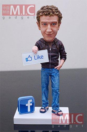 Статуэтки с Цукербергом не понравились Facebook
