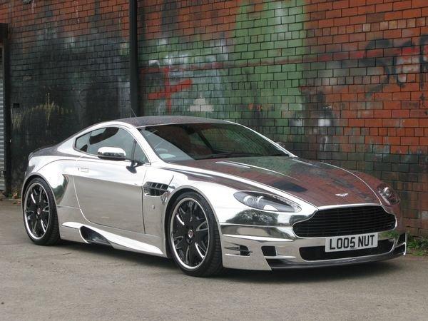 Aston Martin V8 Vantage в хроме