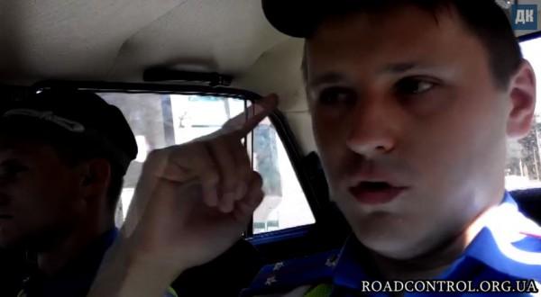 Гаишник остановил автомобиль и в итоге сам был наказан