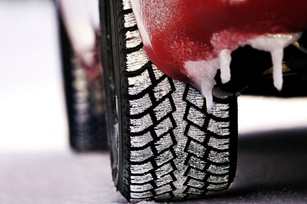Ставьте зимнюю резину: совсем скоро трассы занесет снег