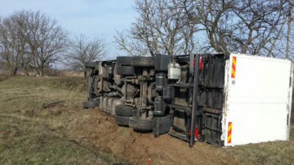 Водитель грузовика тоже пострадал